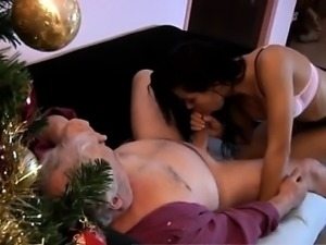 Teen girl gets tied up first time Bruce a muddy old guy love