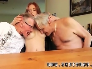 Passion threesome Minnie Manga munches breakfast with John a
