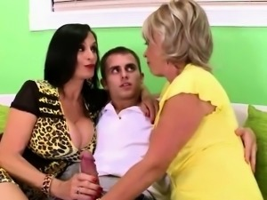 Nasty matures threesome
