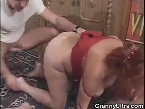 Chunky Granny Sanwiched In A 3some