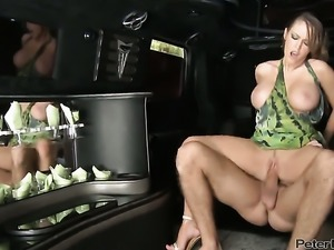 Jenna Presley knows how to take oral sex to the whole new level