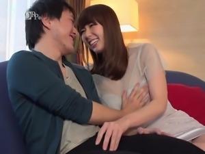 Busty MILF giving amazing boob job - Yui Hatano