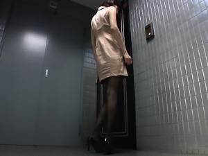 Slender Asian bimbo yearns to get banged by this hung stall