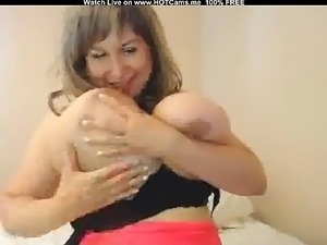 Amateur Woman With Huge Natural Tits