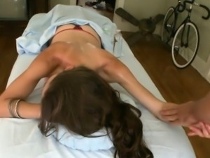 Chick is getting her cum-hole delighted with massage and toy