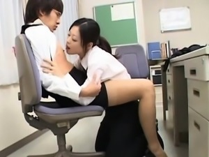 Hotty widens legs wide feeling dong stuffing her wet hole