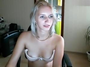 Blonde Ororagazza squats