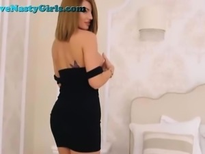 Perfect Body On This Hot Webcam Girl