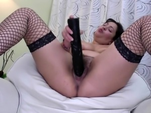 Wild mature mom with thirsty hairy cunt