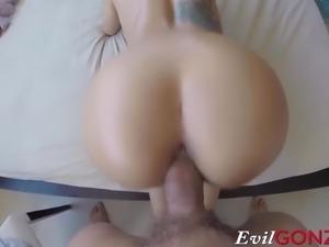 Spectacular babe enjoys in hard fuck