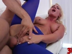 Cali Carter Loves To Ride A Cock