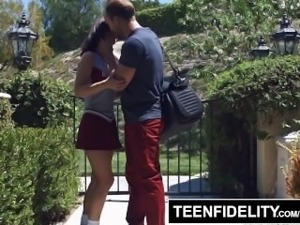 TEENFIDELITY TFSN Cheerleader Lily Jordan Creampied After Practice