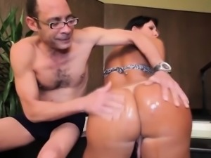 Tanlined latina tgirl analfucked in bigbooty