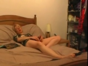 Spying the masturbation addiction of my mom