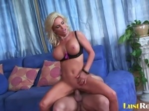 Busty blonde milf Diamond Foxxx loves eating cum