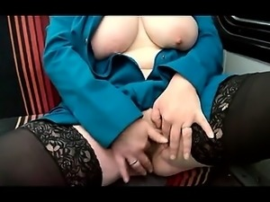 Milf exhibits of wide vagina that is open and strteches it