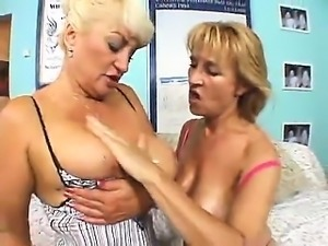 Sexy european milf lesbians gives dildo fuck
