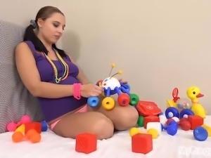 Pregnant Alyssa Fucks Herself with Toys!