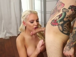 Lecherous blonde with sexy body Kenzie Taylor gives great blowjob