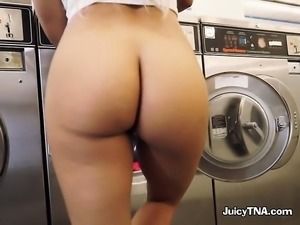 Bootylicious Blonde Luna Star Plays With Herself