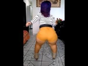 Bubble Butt Brazilian Midget Twerks BIG BOOTY
