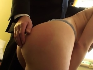 Big ass solo brunette with natural tits gently stimulating her cunt