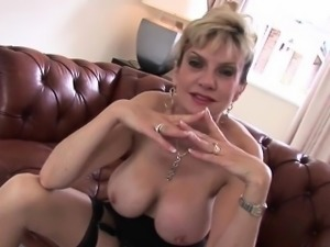 Cheating british milf lady sonia pops out her gigantic puppi