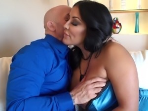 This MILFS giant tits get licked then bounce as she fucks