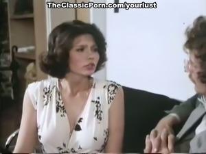Full natural juggy babes Veronica Hart, Lisa De Leeuw making love with John...