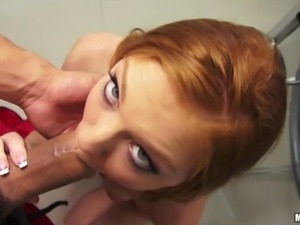 Redhead girl Farrah Flower shows her natural boobs and juicy ass on cam and...