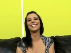 Beverly Hills smiling brunette loves sex
