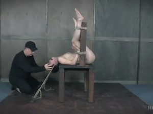 Submissive brunette Bonnie Day loves extreme asphyxiation play