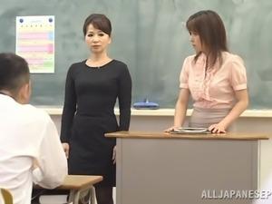 Stunning Ayu Sakurai Masturbates In A College Classroom