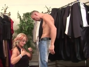 Curvy mature MILF and a dicking that she really needed today