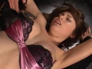 Lusty Asian bimbo Sarah simply loves having her cunt pleasured