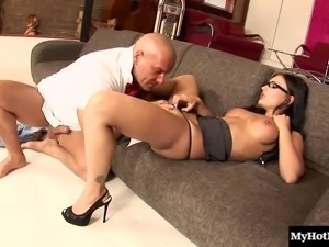 Hot secretary slut with big tits gets her orgasmic cunt hammered