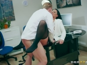 Deep throat blowjob for her boss before getting her cunt fucked