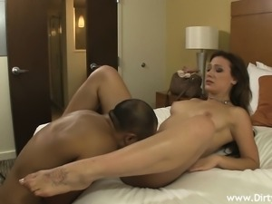 Lustful babe gets her juicy cunt eaten out and pounded good on the bed