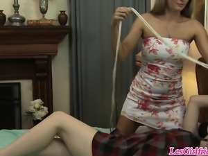 Aria Alexander gets bound and used by lesbian Prinzzess