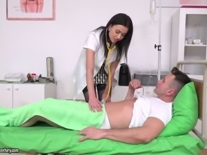 Sex starving Nikky Perry penetrated in her both fuck holes at a time