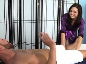 Masseuse babe sixtynines