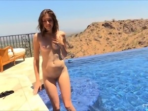 Nice ass solo babe with natural boobs shading bikini outdoor
