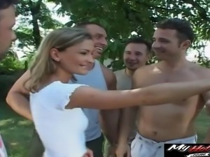 Cute blonde wants to enjoy a hot gangbang game with randy hunks