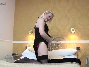 Saucy british mother gets her puss Annalee from 1fuckdatecom