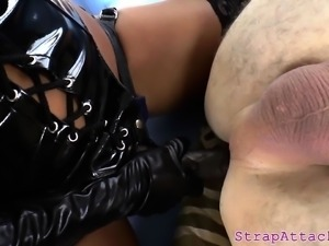Asian prodomme disciplines her subs asshole