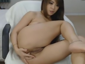 Asian Fitness Babe Masturbate on Cam