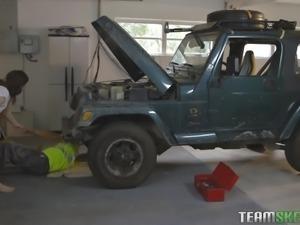 the mechanic had some nasty fun with karlie brooks