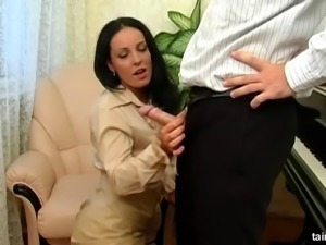 Sexy lady enjoys a golden shower with a couple of hot men