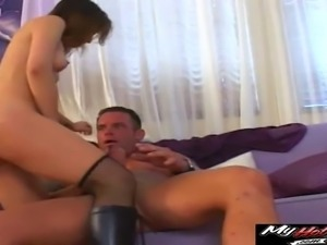 Amber Rain is spanked out by her man in Leahs forehead