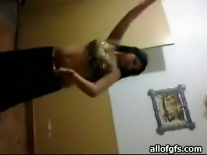 Chubby brunette Arab student GF gives me hot belly dance